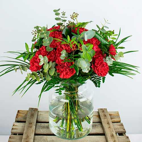 ramo 15 claveles rojos