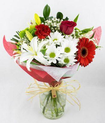 Ramo de flores en tonos rojo y blanco